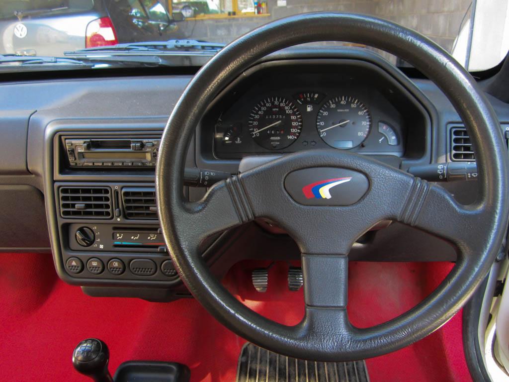 PEUGEOT 106 Rallye interior