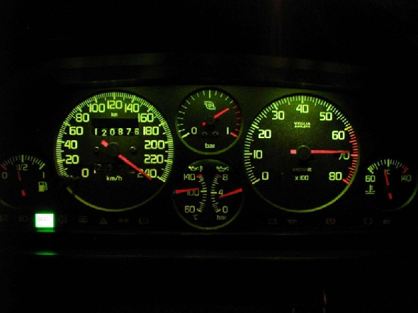 fiat uno turbo i.e. painel de instrumentos, 240 km/h