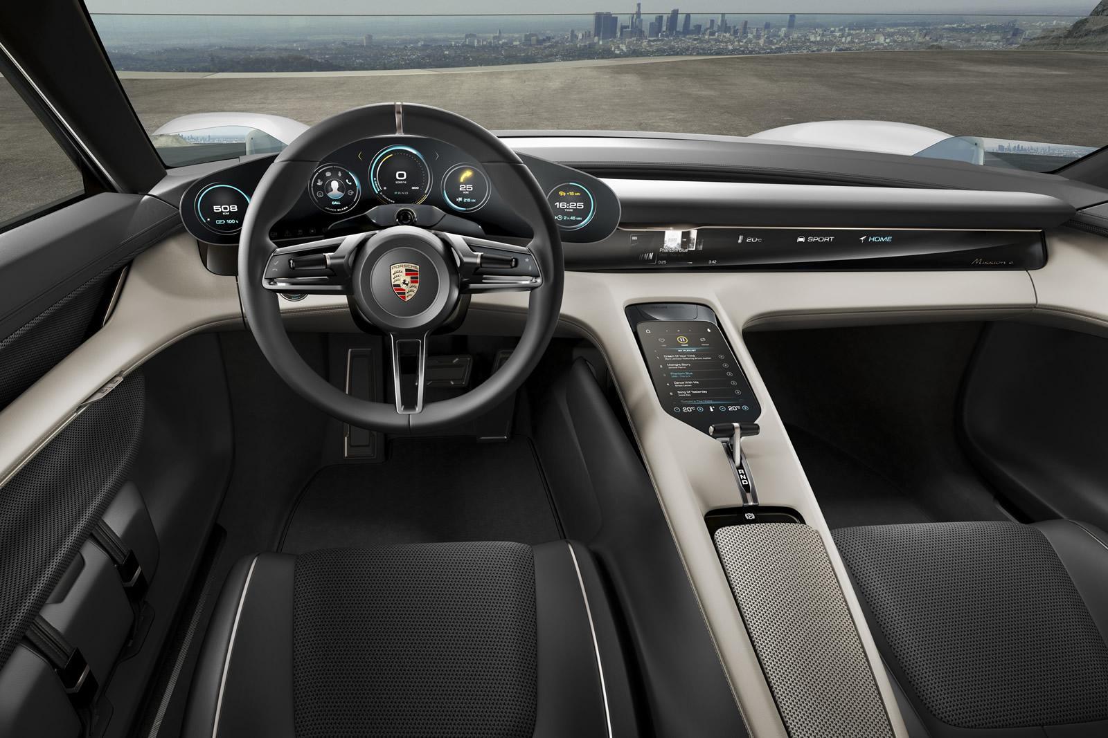 Porsche Mission E, interior
