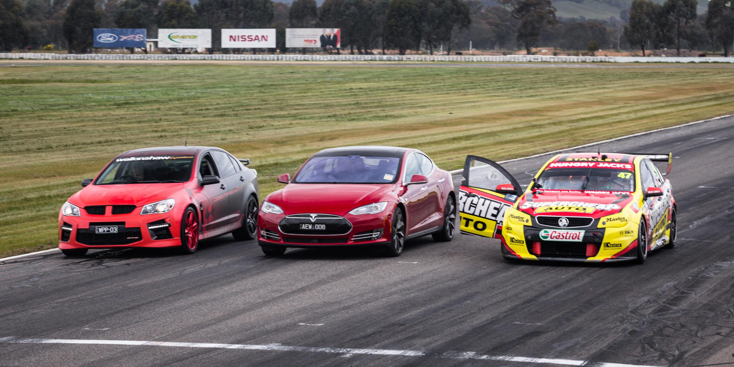 Será o Tesla Model S mais rápido que um V8 Supercar?