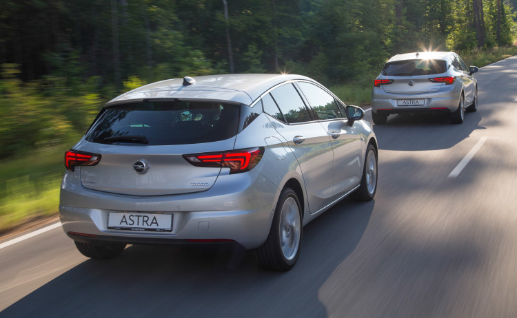 Opel Astra 2016-40
