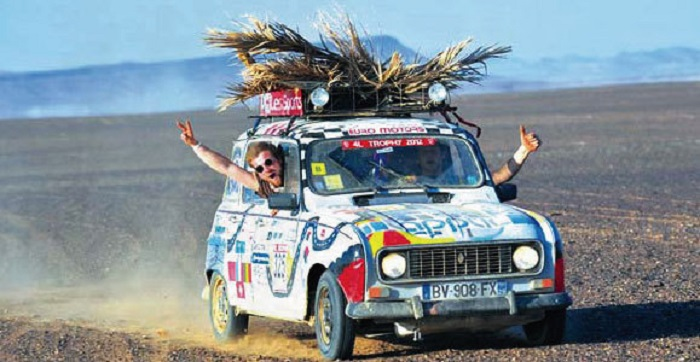 Renault 4L deserto