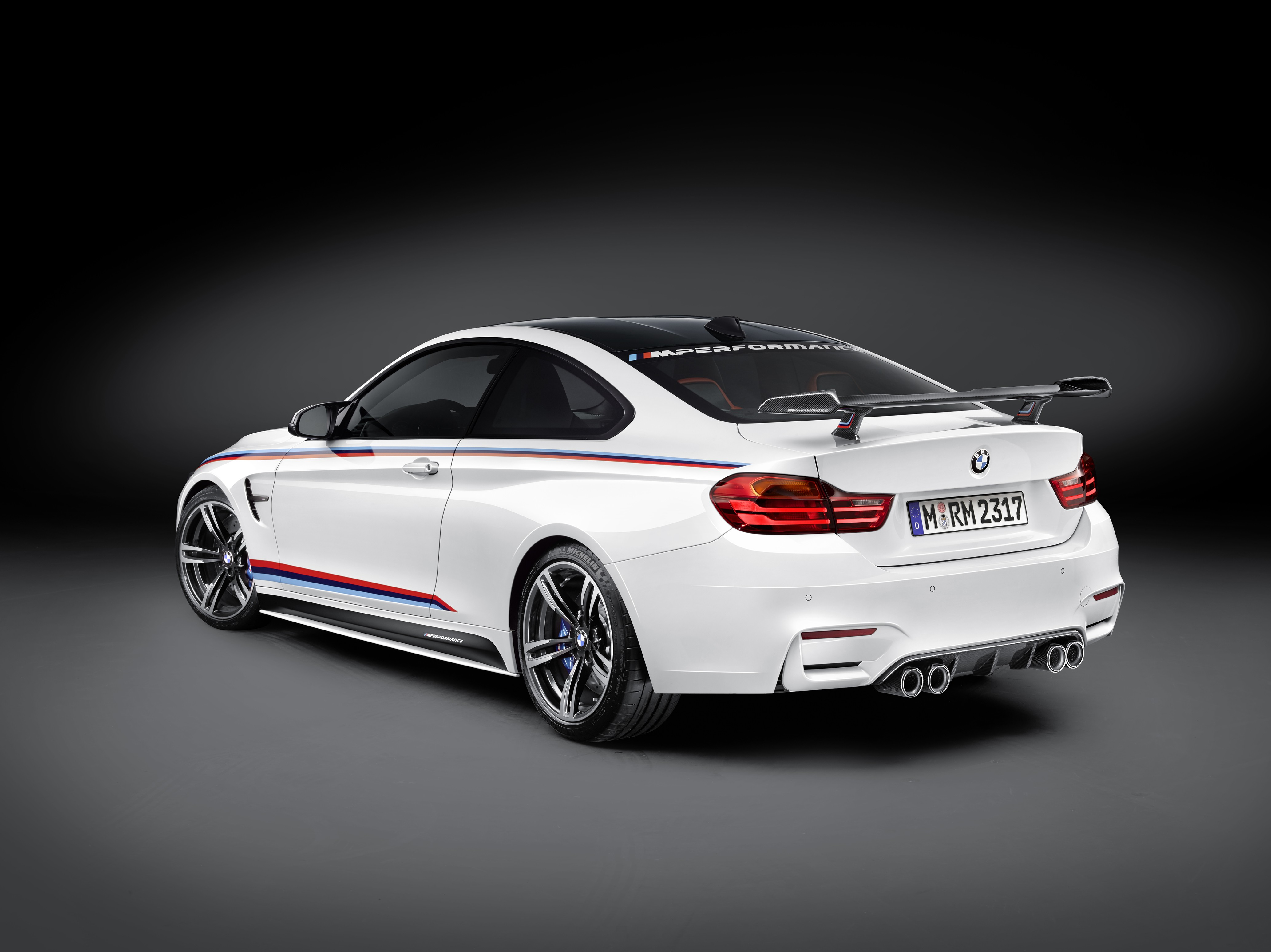 new-bmw-m4-m-performance-parts-introduced-at-sema-2015-including-cfrp-wing-photo-gallery_2