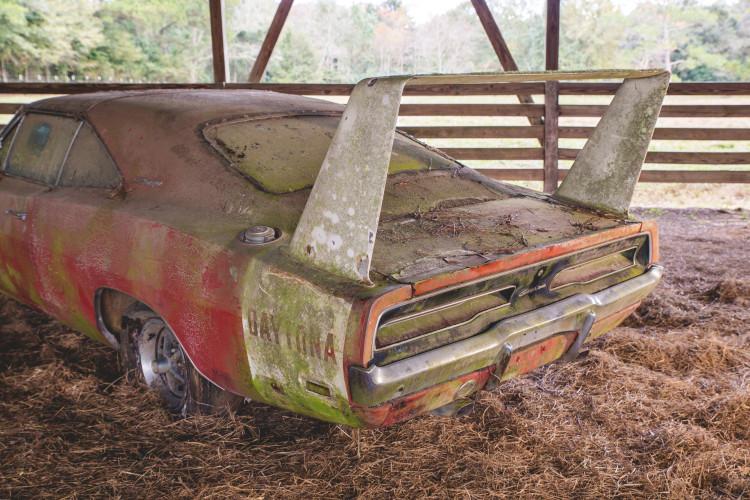 1969-dodge-charger-daytona-008-1