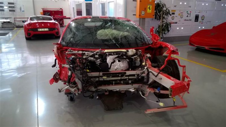 Ferrari 458 Speciale Crashed 01
