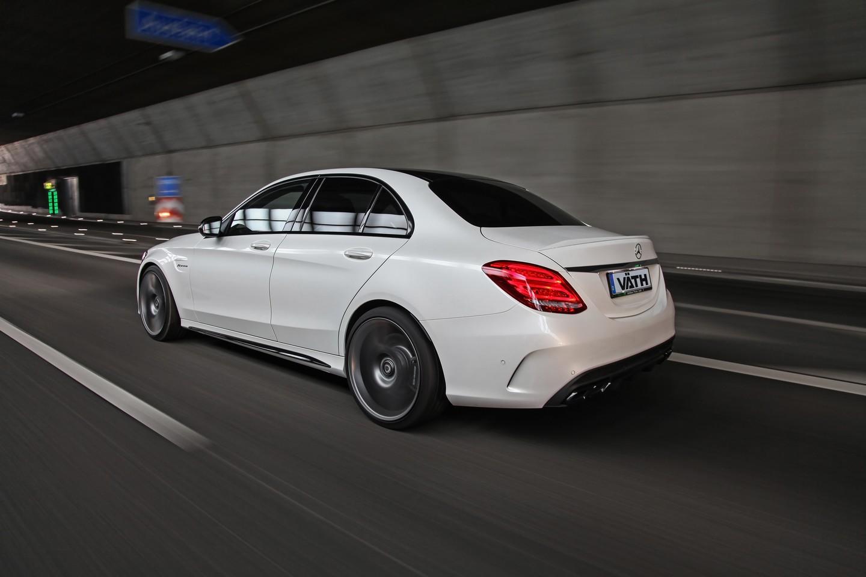 Mercedes-Benz C63-1