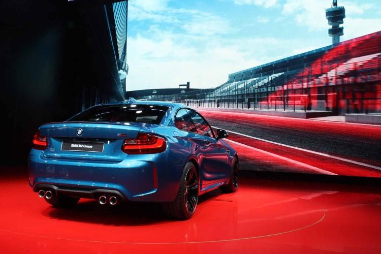 2016-BMW-M2-8