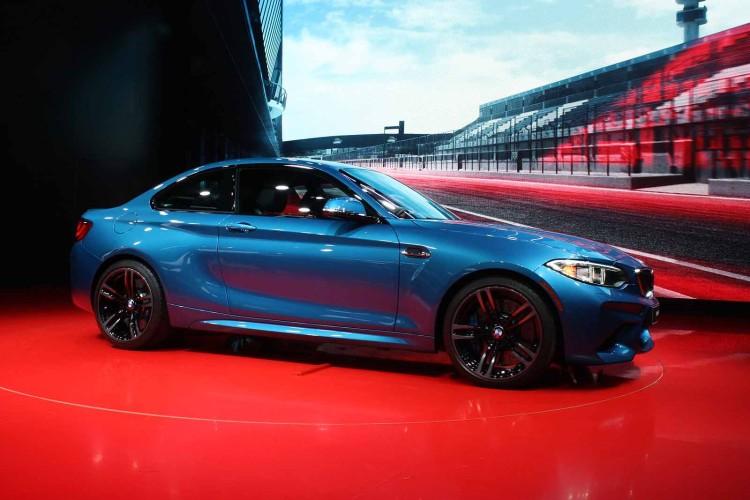 2016-BMW-M2-9