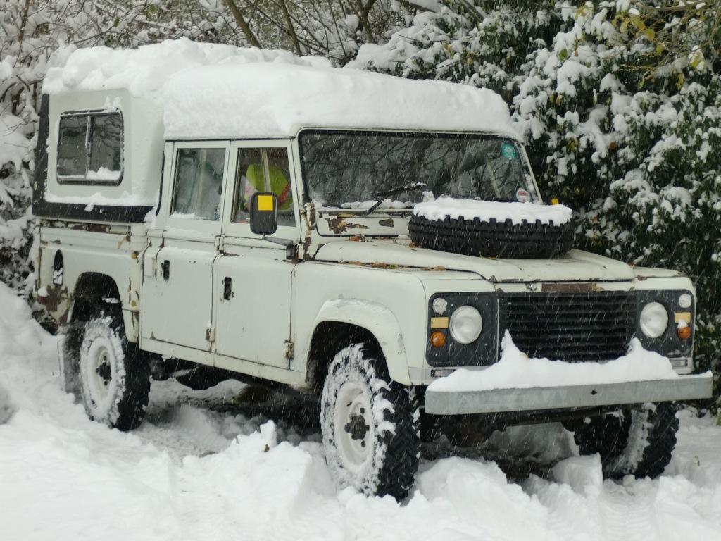 Land Rover 127