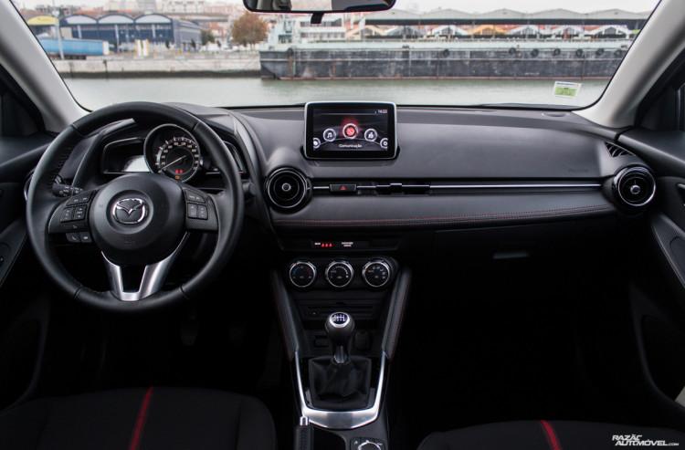 Mazda2 (4)