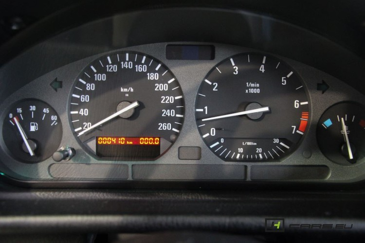 1995-BMW-320i-Brand-New-6