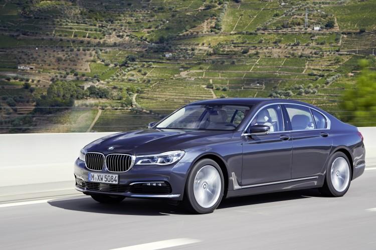 2016-BMW-750Li-xDrive1