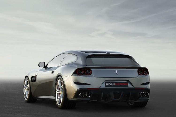 Ferrari GTC4Lusso (2)