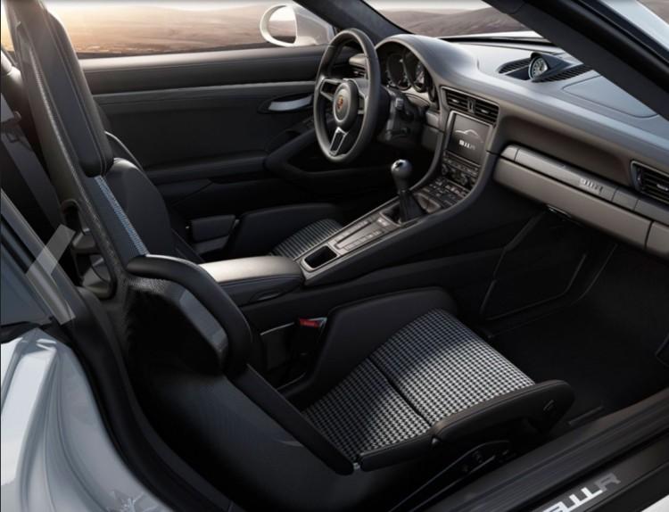 Porsche 911 R (1)