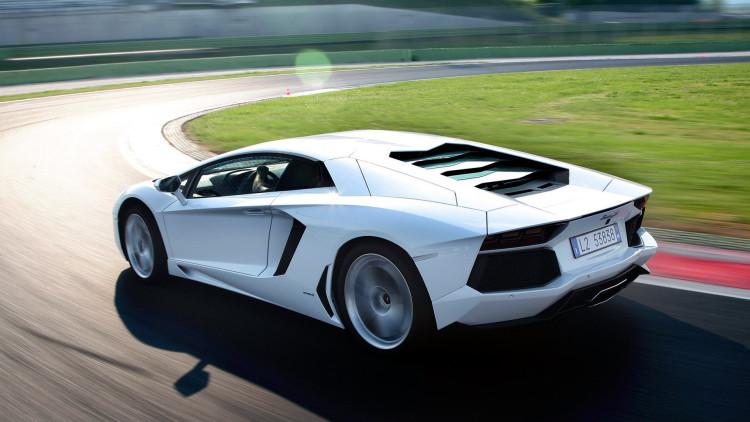 Lamborghini_Aventador_ nurburgring top 10