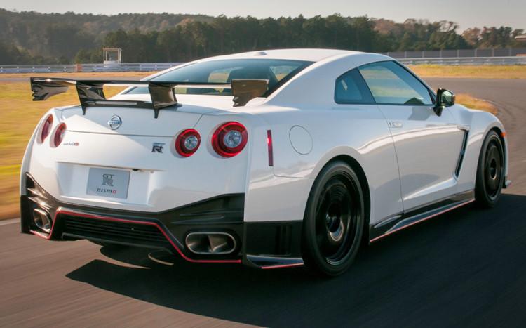 Nissan GT-R Nismo nurburgring top