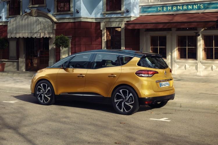 Renault Scenic (6)