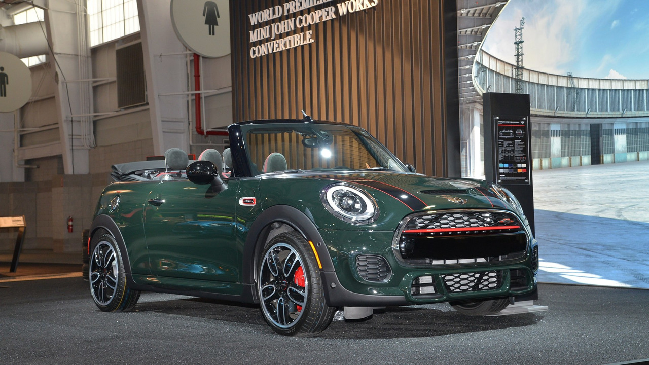 mini john cooper works cabrio ao vivo em nova iorque. Black Bedroom Furniture Sets. Home Design Ideas