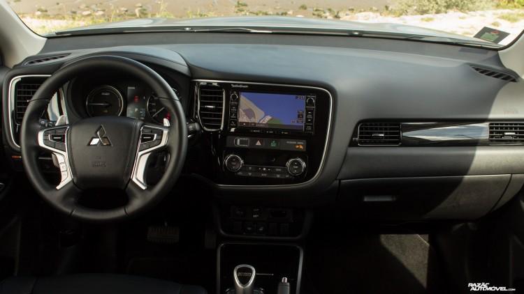 Mitsubishi Outlander-1