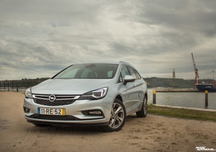 Opel Astra Sports Tourer-10