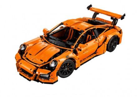 Porsche-911-GT3-RS-Lego