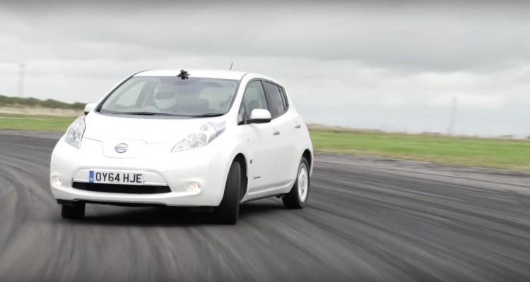 Pode o Nissan Leaf ser uma máquina de Drift? Nissan-Leaf-1-750x400