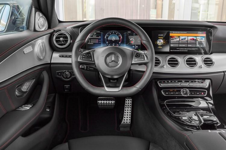 Mercedes-AMG E 43 4MATIC; Exterieur: obsidianschwarz; Interieur: Leder schwarz; Kraftstoffverbrauch kombiniert (l/100 km): 8,3; CO2-Emissionen kombiniert (g/km): 189
