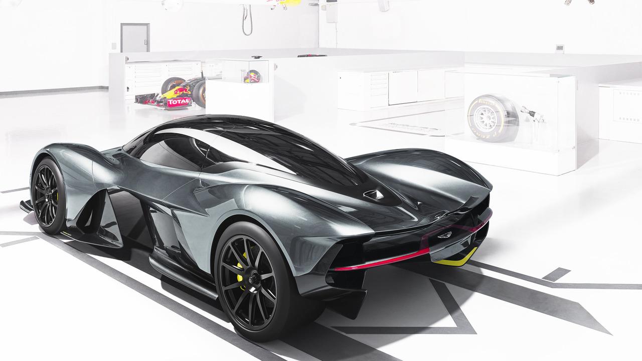 Aston Martin-3