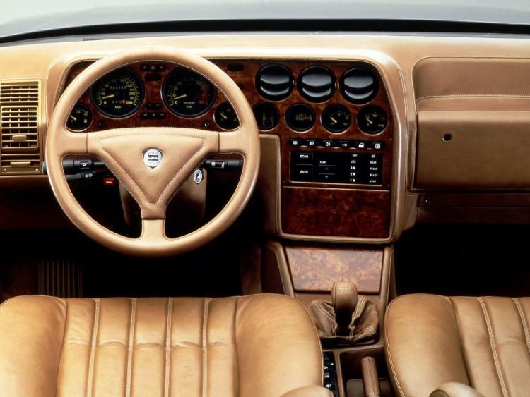 Lancia Thema-3
