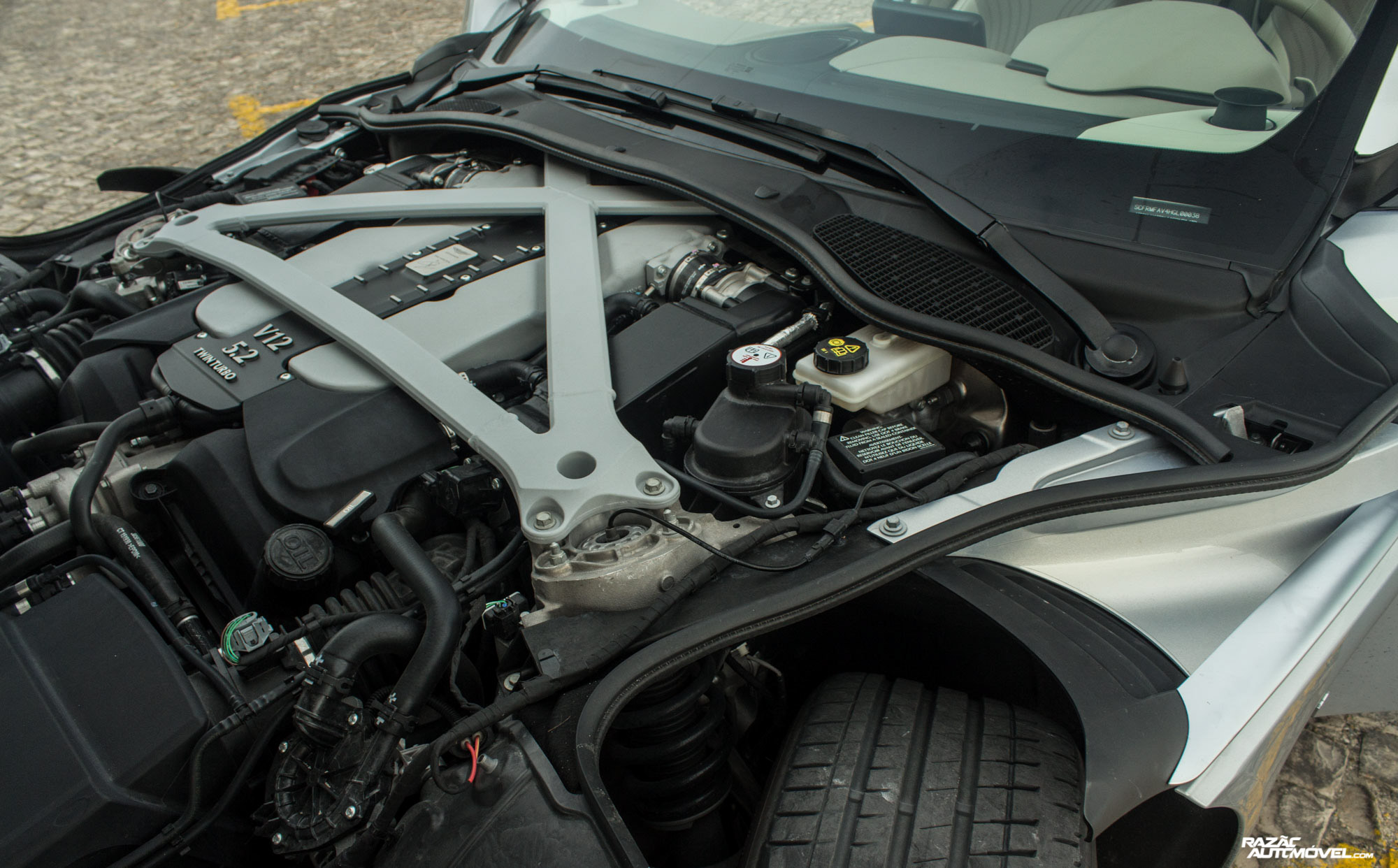 Aston Martin DB11 — V12 5.2