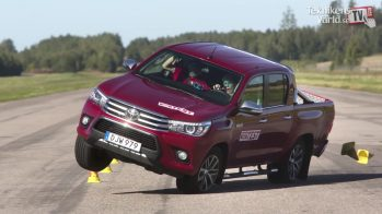 Teste do Alce Toyota Hilux