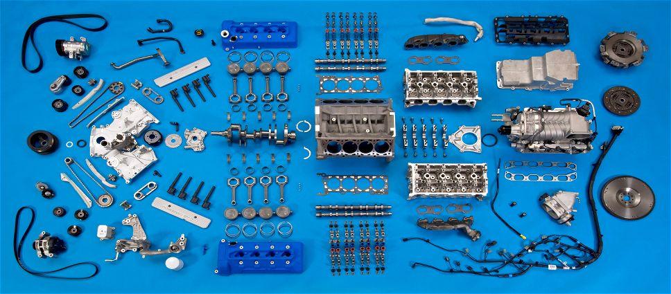 Motor separado por peças