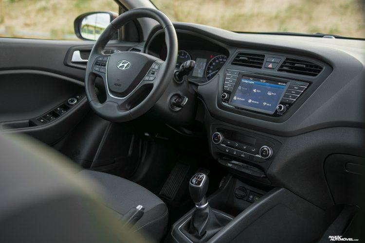 CA 2017 Hyundai i20 Active (5)