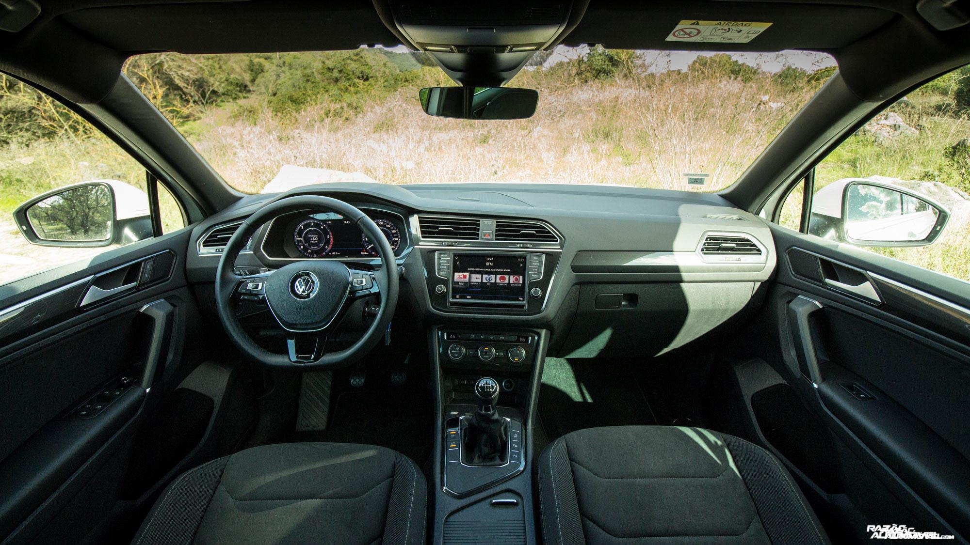 CA 2017 Volkswagen Tiguan (9)
