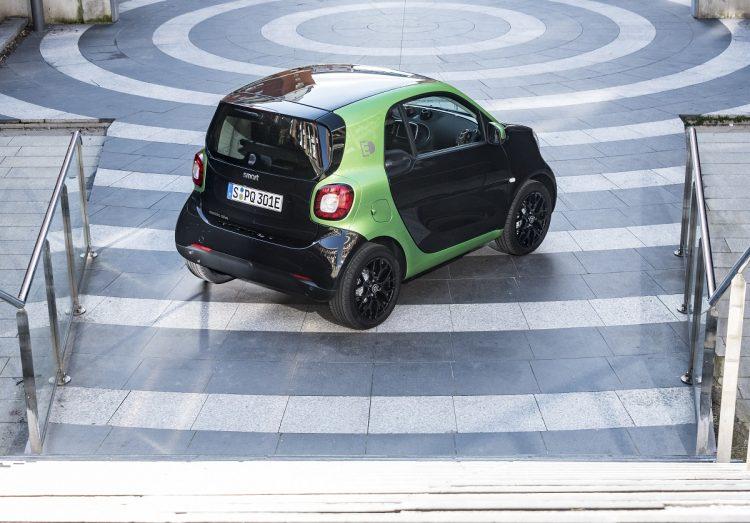 2017 Smart Fortwo Electric Drive - vista 3/4 traseira