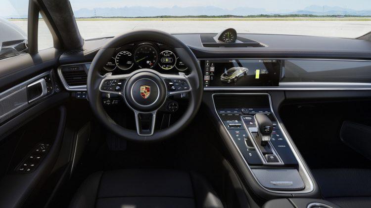2017 Porsche Panamera Turbo S E-Hybrid interior