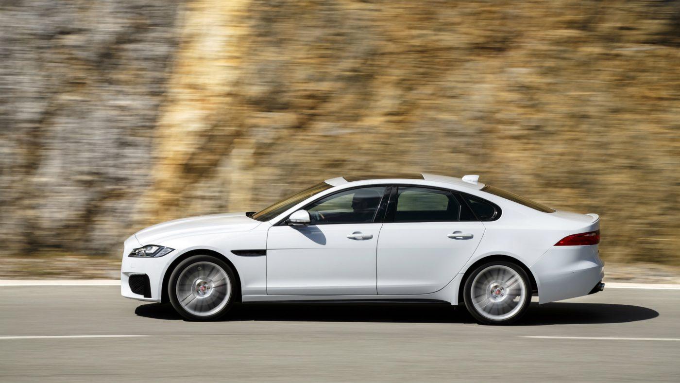 2017 Jaguar XF perfil