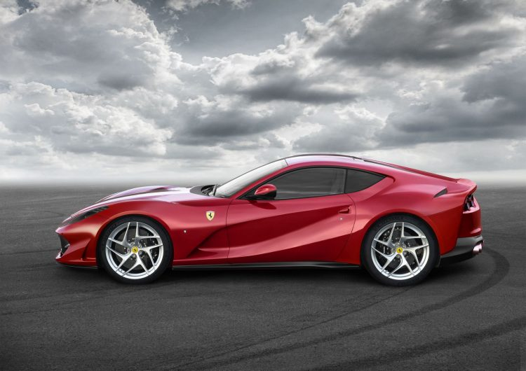 Ferrari 812 Superfast lateral