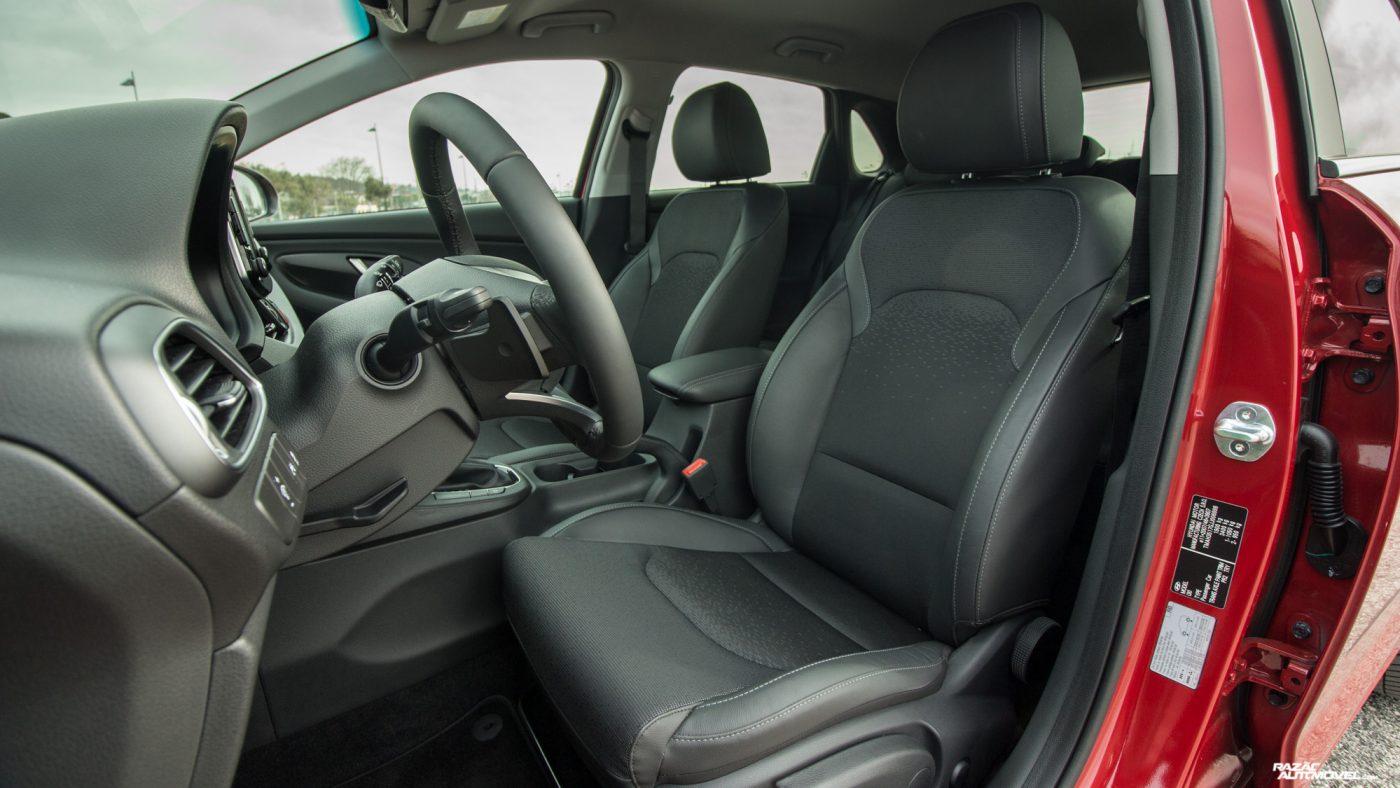 Hyundai i30 1.6 CRDi — interior