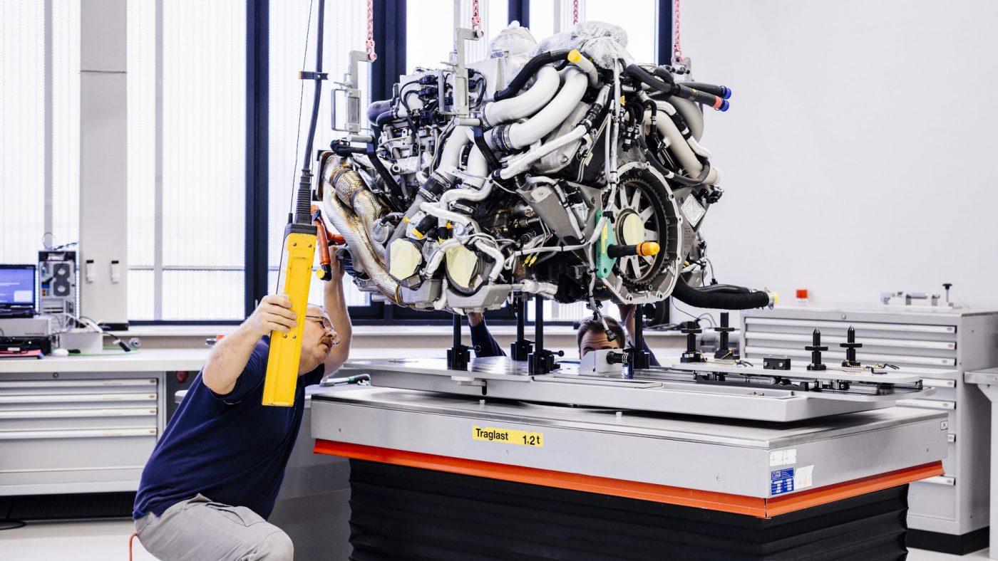Bugatti Chiron W16 - motor