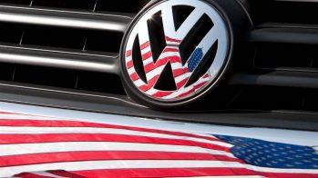 Volkswagen Logo com bandeira dos EUA