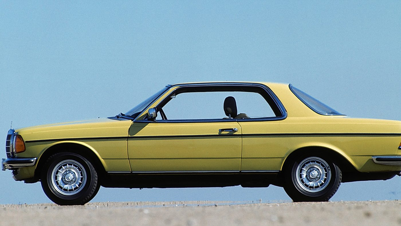 Mercedes-Benz Coupé der Baureihe C 123 (1977 bis 1985). Foto aus dem Jahr 1980. ; Mercedes-Benz coupé in the C 123 (1977 to 1985) model series. Photograph dated 1980.;
