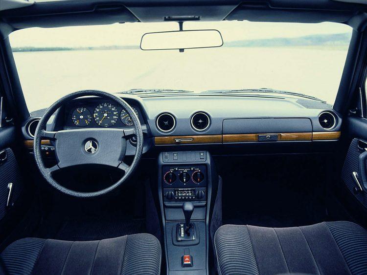 1977 Mercedes C123 interior