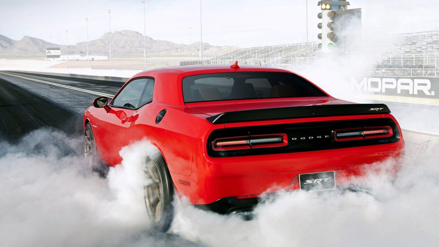 2016 Dodge Challenger SRT Hellcat burnout