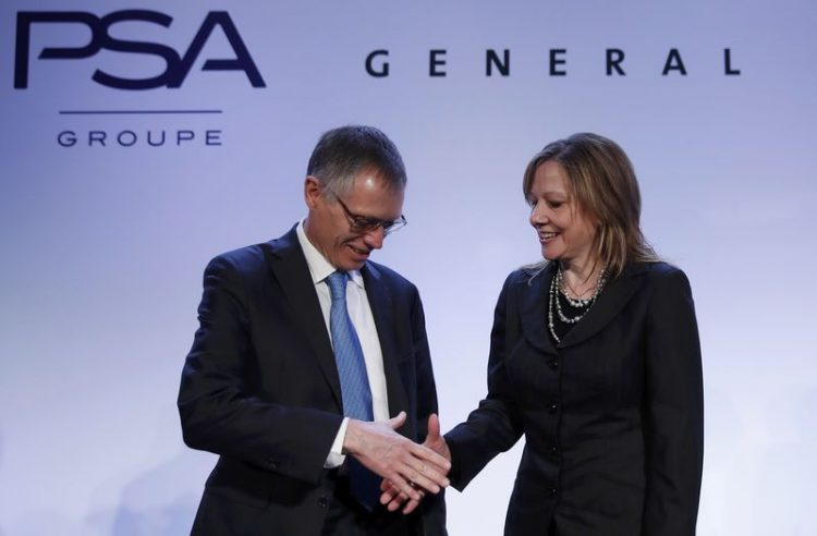 Carlos Tavares (PSA) e Mary Barra (GM)