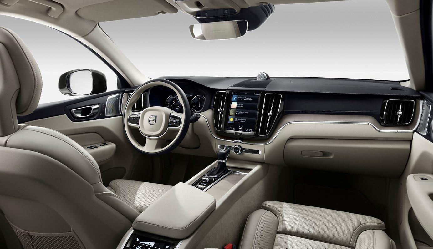2017 Volvo XC60 interior