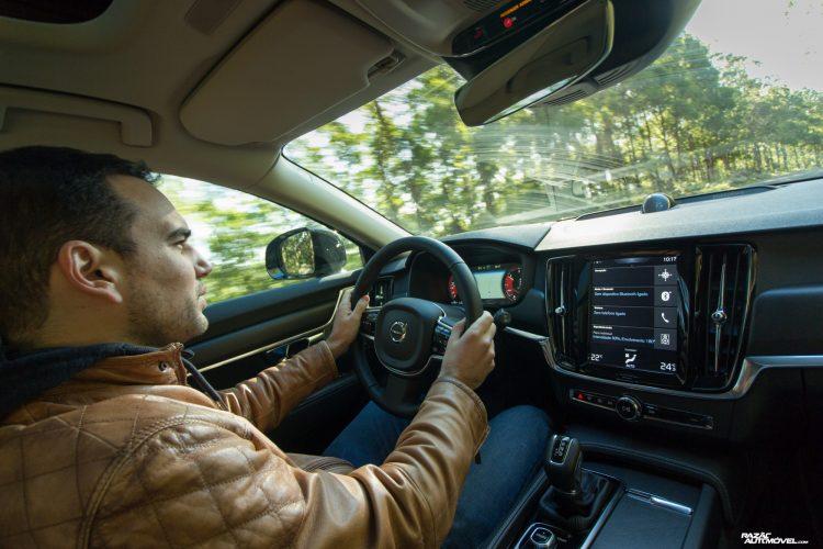 teste Volvo V90 Cross Country