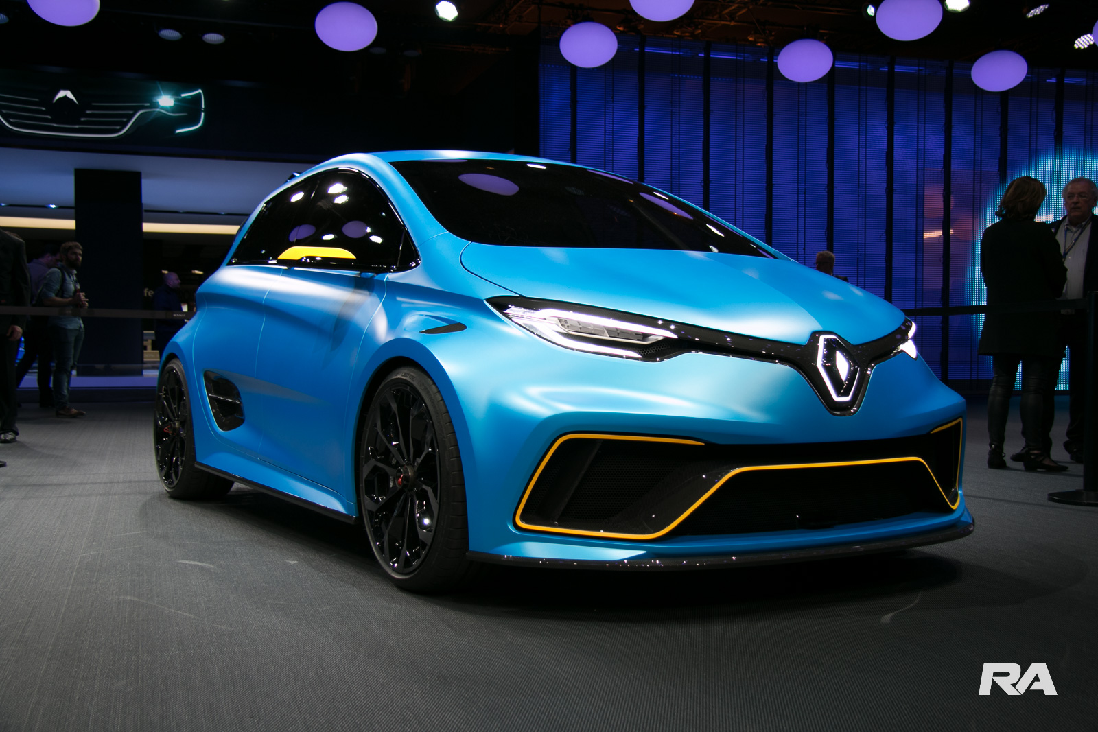 renault apresenta zoe e sport com 462 cv eletrizantes. Black Bedroom Furniture Sets. Home Design Ideas