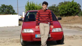 Guilherme Costa com o seu Citroën AX