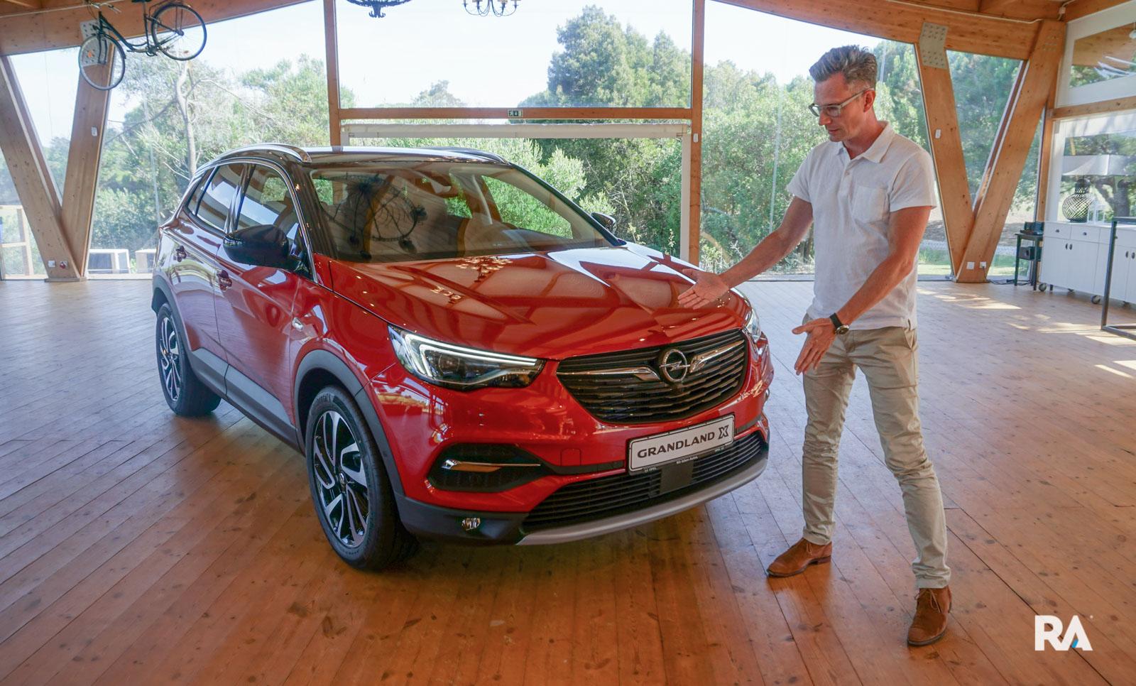 Fredrik Backman e Opel Grandland X